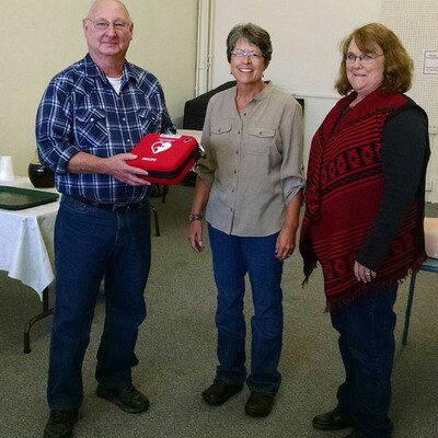 AED presented to Stafford Senior Center, Stafford